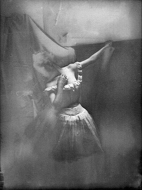 Фото 3, которое Эдгар Дега использовал для картины